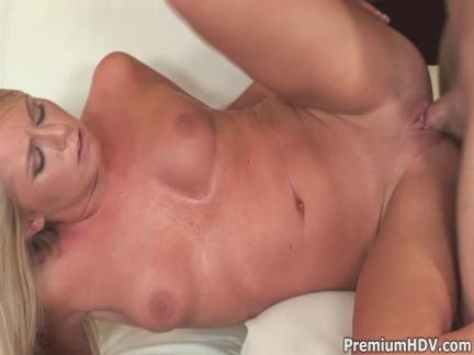 Sarışın Brynn Tyler HD sex filmi izle