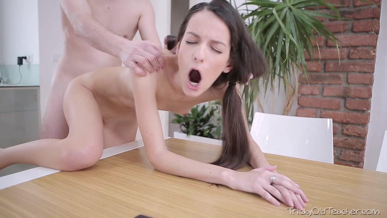 Eğitim hocasıyla esmer lolita hd seks izle
