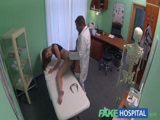 Fake Hospital genç kızı bastan çıkartan doktor sex izle