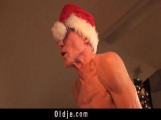 Noel Dede Noel Meleklerine Fena Çakıyor Seks İzle