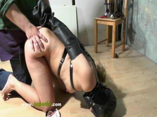 Girl Fucked BDSM işkenceli porno izle