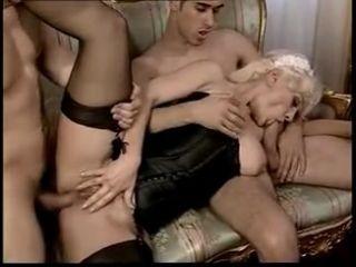 Grup Yapan Hizmetçi Sikiş porno izle