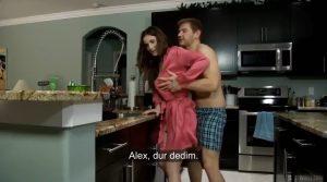 Öz Annesine Mutfakta Saldırıyor » Altyazılı Sex Videoları